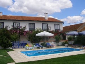 Privatferienhaus-inklusive-Pool