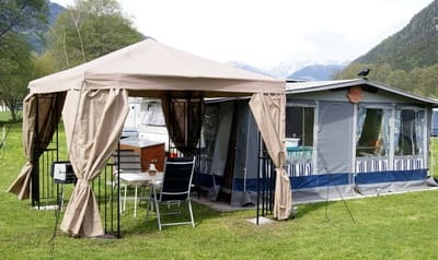 Campingwagen am Balaton mit Anbau